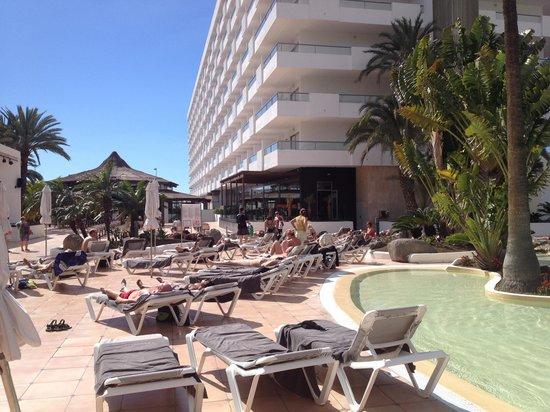 SENTIDO Gran Canaria Princess: Pool area