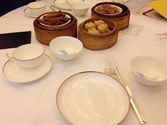 Maxim's Palace Chinese Restaurant: Elegant dining