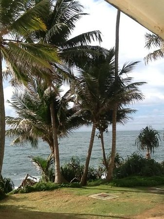 Mount Lavinia Beach : a room with a view!