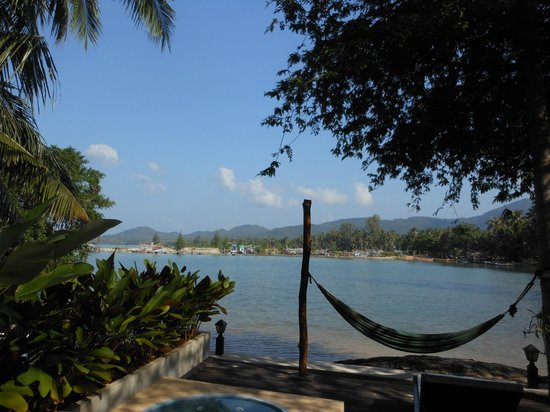 Cyana Beach Resort: Another view from our patio across the cove