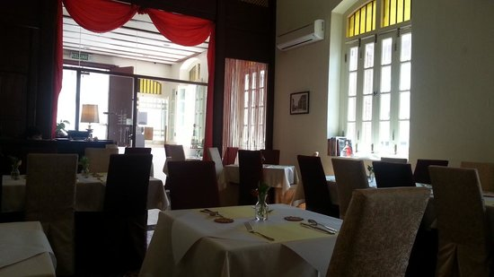 Western Spices @Green Hall: restaurant environment in day time