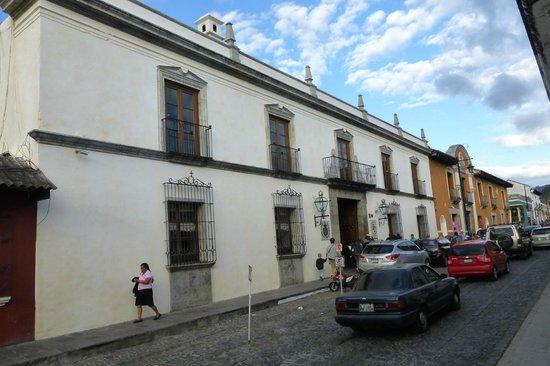 Palacio de Doña Leonor: Exterior of hotel