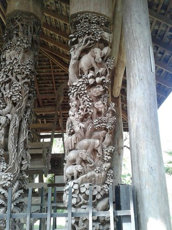 Mae Fah Luang Art and Culture Park: This is what Thai people can do with teak wood!!!