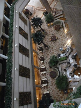 Taj Bengal Kolkata: View of the Lobby area from the 4th floor.