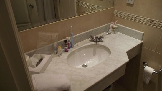 Dublin Skylon Hotel: Sink