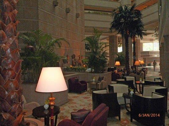 Taj Bengal Kolkata: In the Lobby area