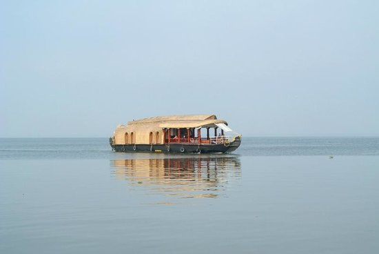 Eco Trails Kerala : Houseboat in the backwaters