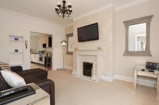 Harrogate Elite Living: Lounge