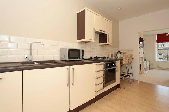 Harrogate Elite Living: Kitchen
