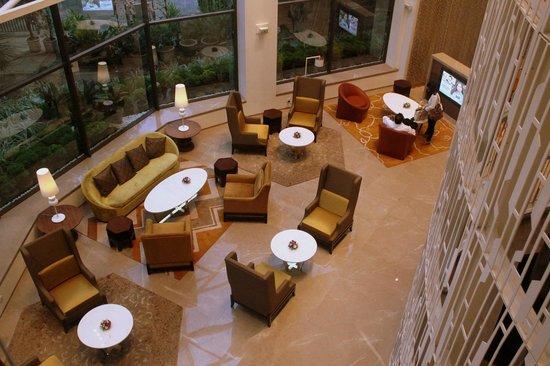 Crowne Plaza Chennai Adyar Park: Lounge