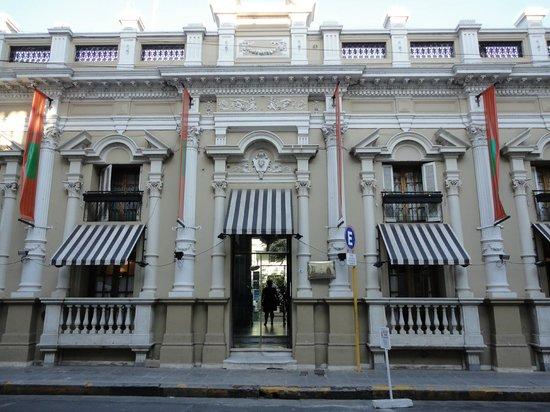 Parana Hotel Plaza Jardin: Fachada do hotel no melhor estilo europeu