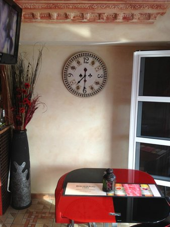 The Red Lion, Callao Salvaje, Tenerife: new clock