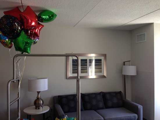 Hampton Inn & Suites Greensboro / Coliseum Area: Room