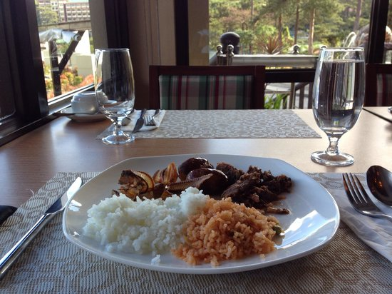 Azalea Residences Baguio : Breakfast