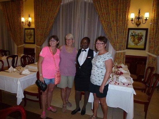 Hotel Riu Palace Tropical Bay : Momma , our waitress/ friend