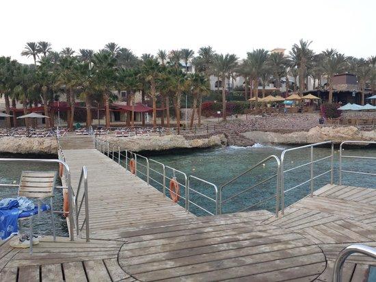 Grand Rotana Resort & Spa: main pier