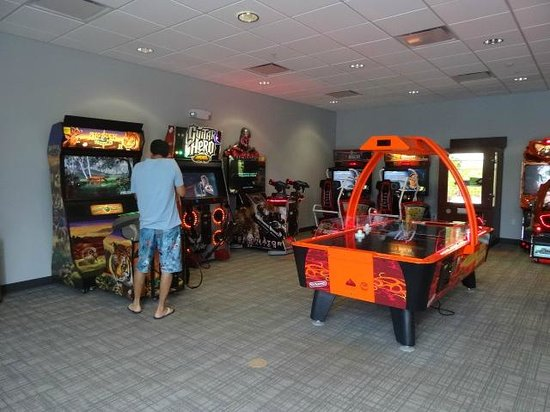 Avanti International Resort: sala de jogos