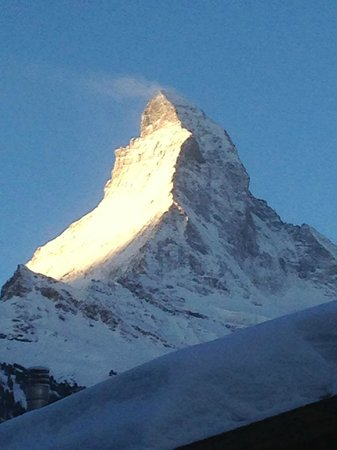Romantik Hotel Julen : Matterhorn bei Sonnenaufgang