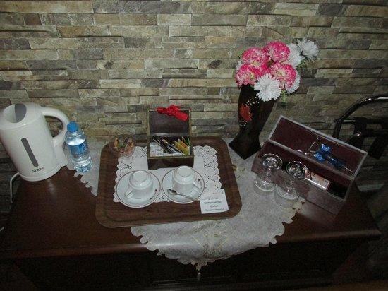 Angel's Home Hotel : Приветственный набор (вино отдельно)