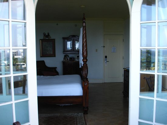 Jewel Dunn's River Beach Resort & Spa, Ocho Rios,Curio Collection by Hilton: View to standard Fch door room in Diamond Bldg