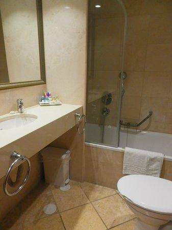 Metropolitan Hotel : Clean bathroom