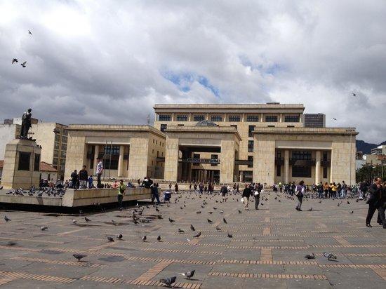 Plaza de Bolivar: Gobierno