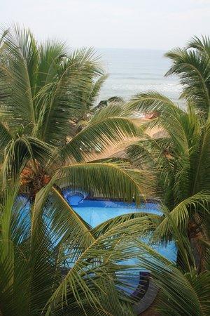 Royal Beach Resort: Вид с нашего номера