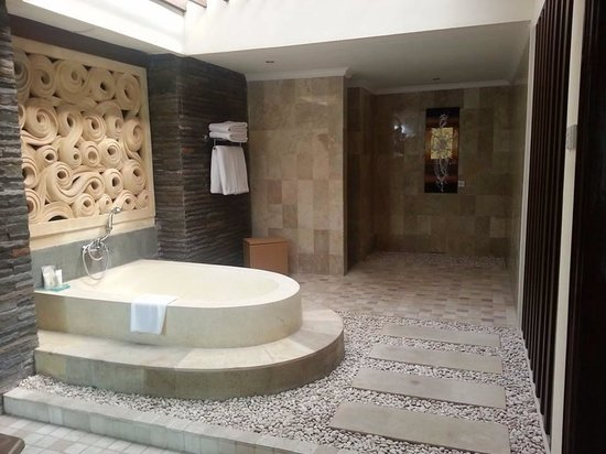 The Club Villas : Bathtub