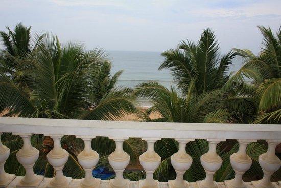 Royal Beach Resort : Вид с нашего номера