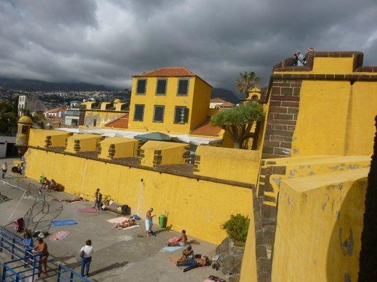 Museu de Arte Contemporanea - Fortaleza de Santiago
