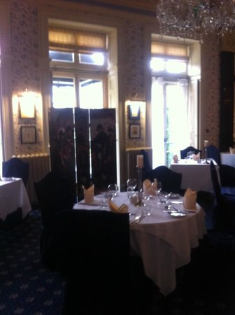 Dining room picture of best western whitworth hall hotel for Best hotel dining rooms