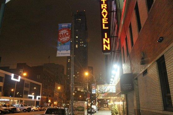 Travel Inn Hotel New York : отель
