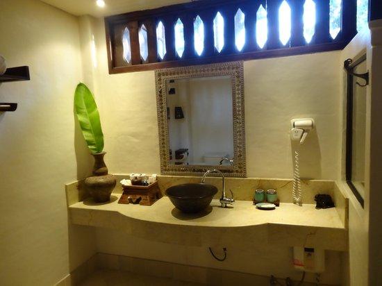 Yaang Come Village: Salle de bain
