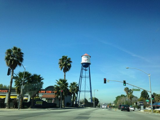 301 Cafe: Placentia Water Tower - Read the slogan on the tower