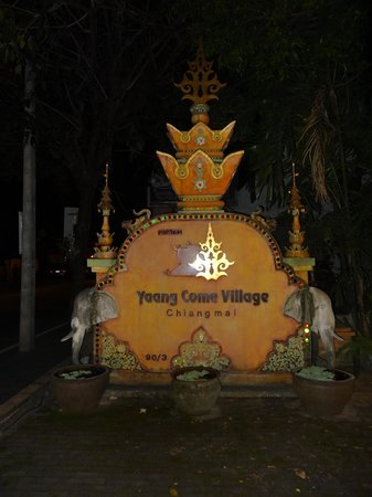 Yaang Come Village: Hotel