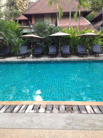 Yaang Come Village: Piscine