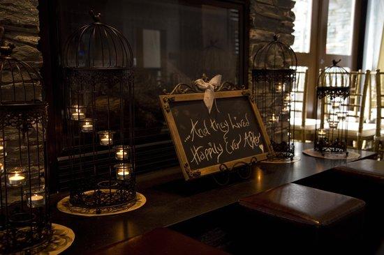 The Oswego Hotel: Fireplace Decor - O Bistro Wedding