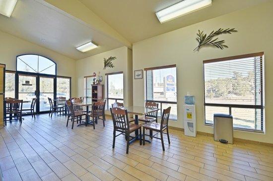 Best Western Sawmill Inn : Breakfast Room