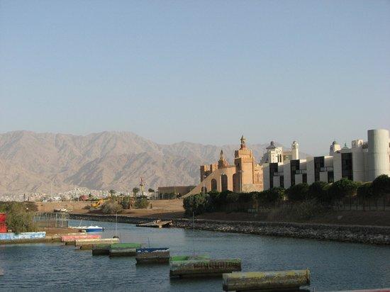 Leonardo Privilege Hotel Eilat: По пути  к  пляжу