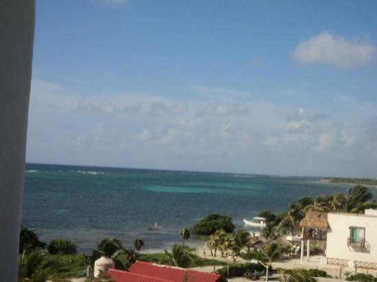 El Hotelito: disfrutando del hermoso paisaje desde el balcon