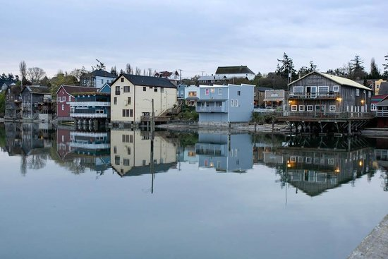 Garden Isle Guest Cottages: Coupeville Water Front