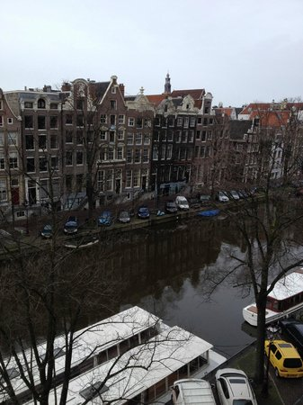 Hotel Estherea: View from room over Singel