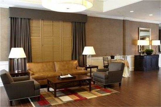 Ethan Allen Hotel: Renovated Front Lobby Area