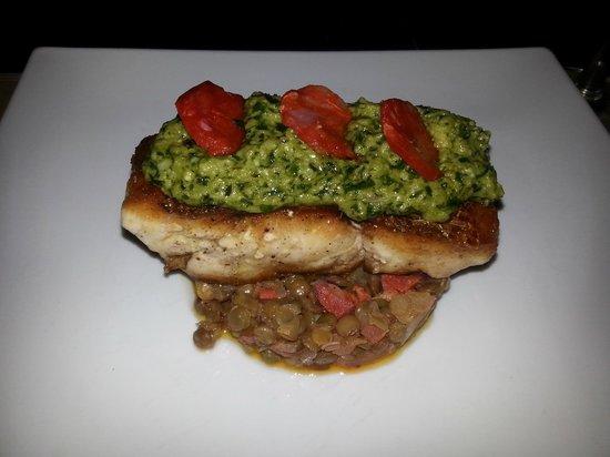 Barracuda Restaurant : zeebaarsfilet met linzen en chorizo