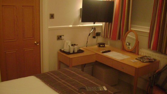 The Abbey Hotel: TV and Desk