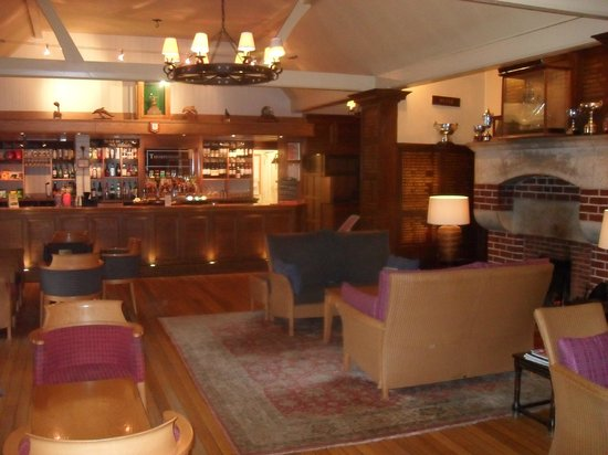 Thorpeness Golf Club & Hotel: The Bar