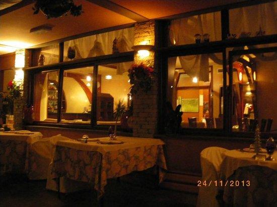 Hotel Conca Azzurra : Ресторан в вечернее время