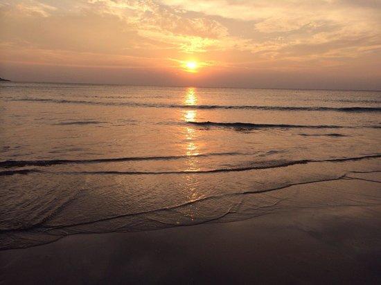 Kata Noi Beach: Закат на Ката Ной