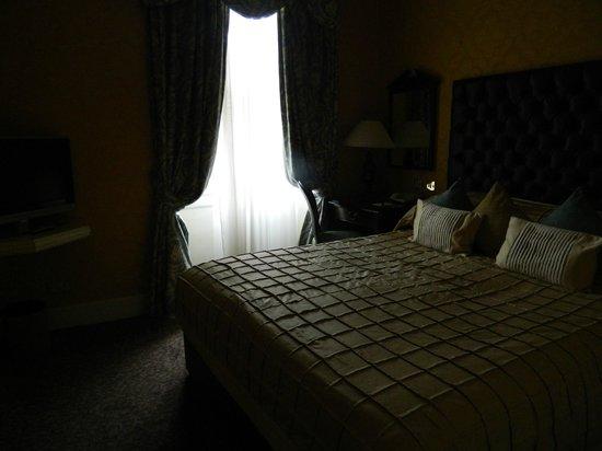 The Leonard Hotel: 3