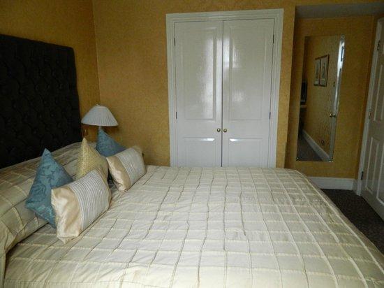 The Leonard Hotel : 2